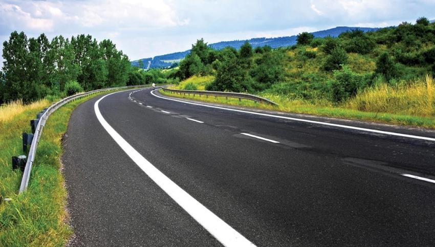 पहिराे खस्दा अवरुद्ध रहेको महाकाली राजमार्ग पुनः सञ्चालन