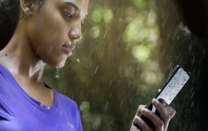मनसुनका लागि सबैभन्दा राम्रा यी ६ स्मार्टफोन ( सस्तोदेखि महंगोसम्म)