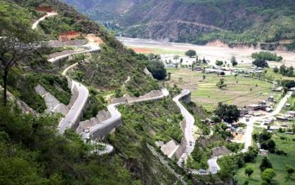 बिपी राजमार्गमा १८ भन्दा बढी सिट क्षमताका सवारी सञ्चालनमा रोक