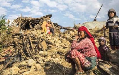 भूकम्पपीडितको गुनासो- 'सरकार घर कसरी बनाउनु ?'
