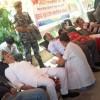 दुइ मन्त्रीसहित नेकपाका कार्यकर्ताले गरे रक्तदान