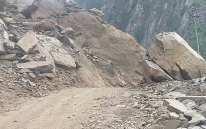 स्याफ्रु–रसुवागढी राजमार्ग बन्द