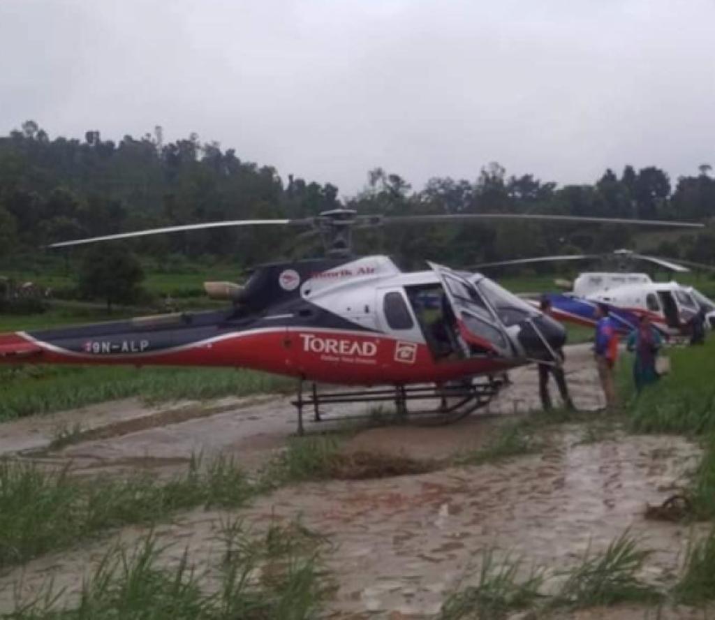 लुक्लाबाट उडेका ४ हेलिकप्टर काभ्रेमा आकस्मिक अवतरण