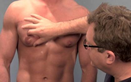 यी ४ कारण जसले हुनसक्छ पुरुषमा स्तन क्यान्सर