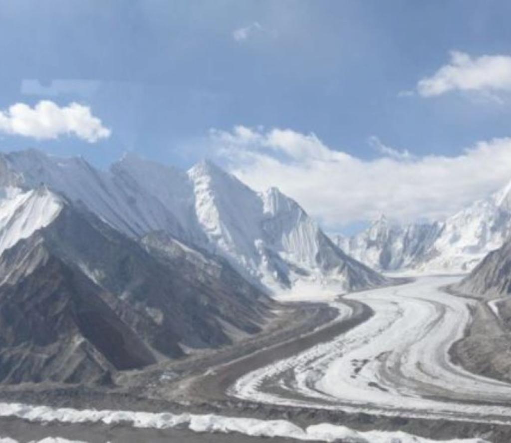 कश्मीरमा हिमपहिरो,  छ जना सेनाको मृत्यु