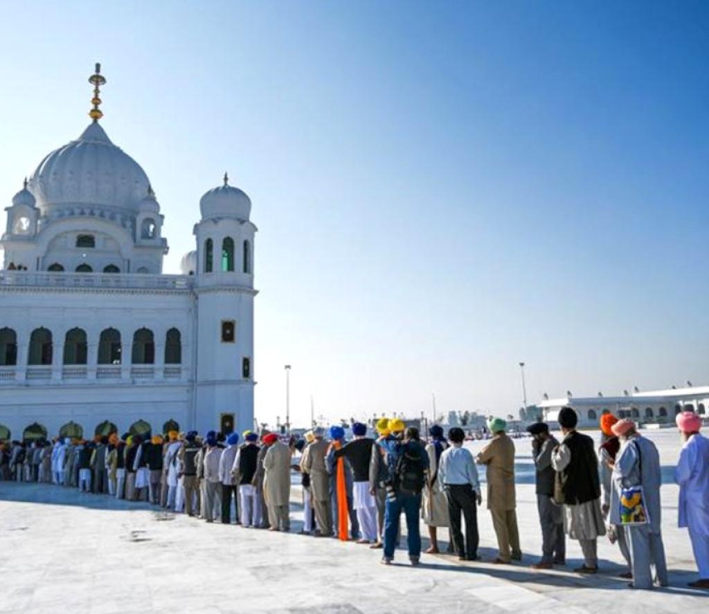 हजारौं शिख तीर्थयात्री पाकिस्तानको धार्मिक यात्रामा
