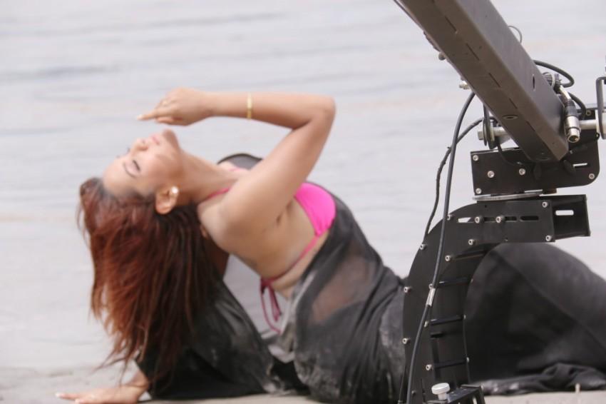 Priyanka-Karki-Chitwan-Video-5-1024x682