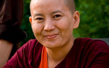 विश्व वन्यजन्तु कोषको सद्धभावना दूतमा गायिका आनी छोइङ डोल्मा नियुक्त