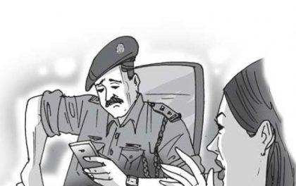 आफैलाई बलात्कार गर्ने  'बलात्कारी' लाई खाना लिएर प्रहरी चौकी पुग्ने पीडित महिलाको कहानी !