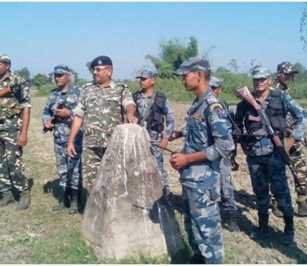 भारतीयहरु जवर्जस्ती नेपाल छिर्न खोजेपछि सशस्त्रद्वारा हवाई फायर