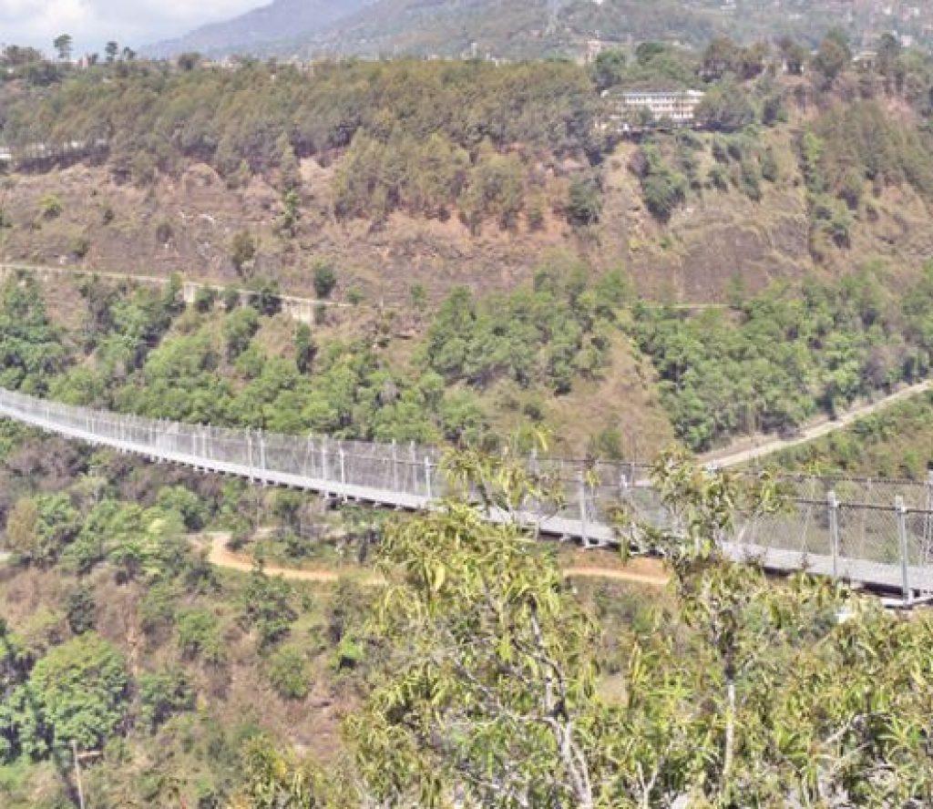 बागलुङ र पर्वत जोड्ने झोलुङ्गे पुललाई विश्व रेकर्ड राख्ने प्रक्रिया शुरु