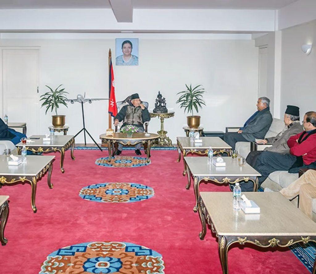 सत्तापक्ष र प्रतिपक्षीका शीर्ष नेता बालुवाटारमा, छलफलमा दुई आयोग
