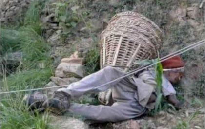लापरबाहीले सिमा नाघ्यो, लत्रिएको तारमा करेन्ट लागेर बृद्वको मृत्यु