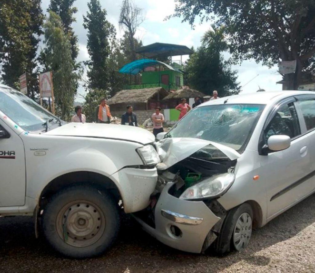 सिपी मैनाली चढेको कार दुर्घटना –हेलिकप्टरबाट काठमाडौं ल्याईदै