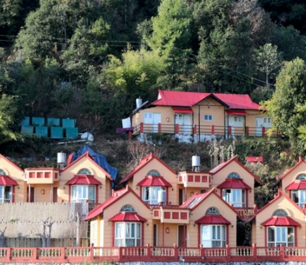 होटेलमा बेहोस भेटिएका आठैजना भारतीय पर्यटकको मृत्यु, (मृतकको नामावलीसहित)