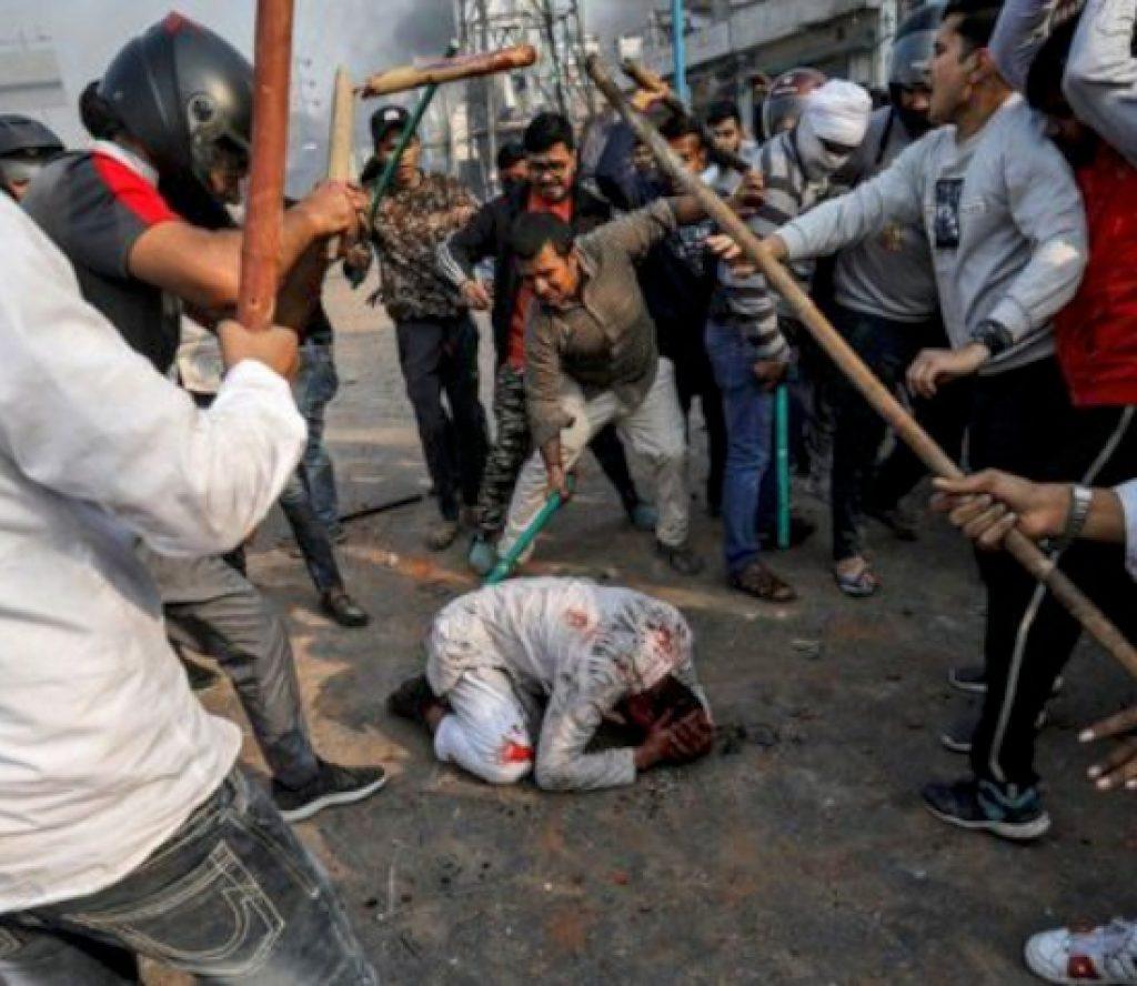दिल्लीमा दशकौँ यताको खराब हिंसा, मृत्यु हुनेको संख्या १३ जना पुग्यो