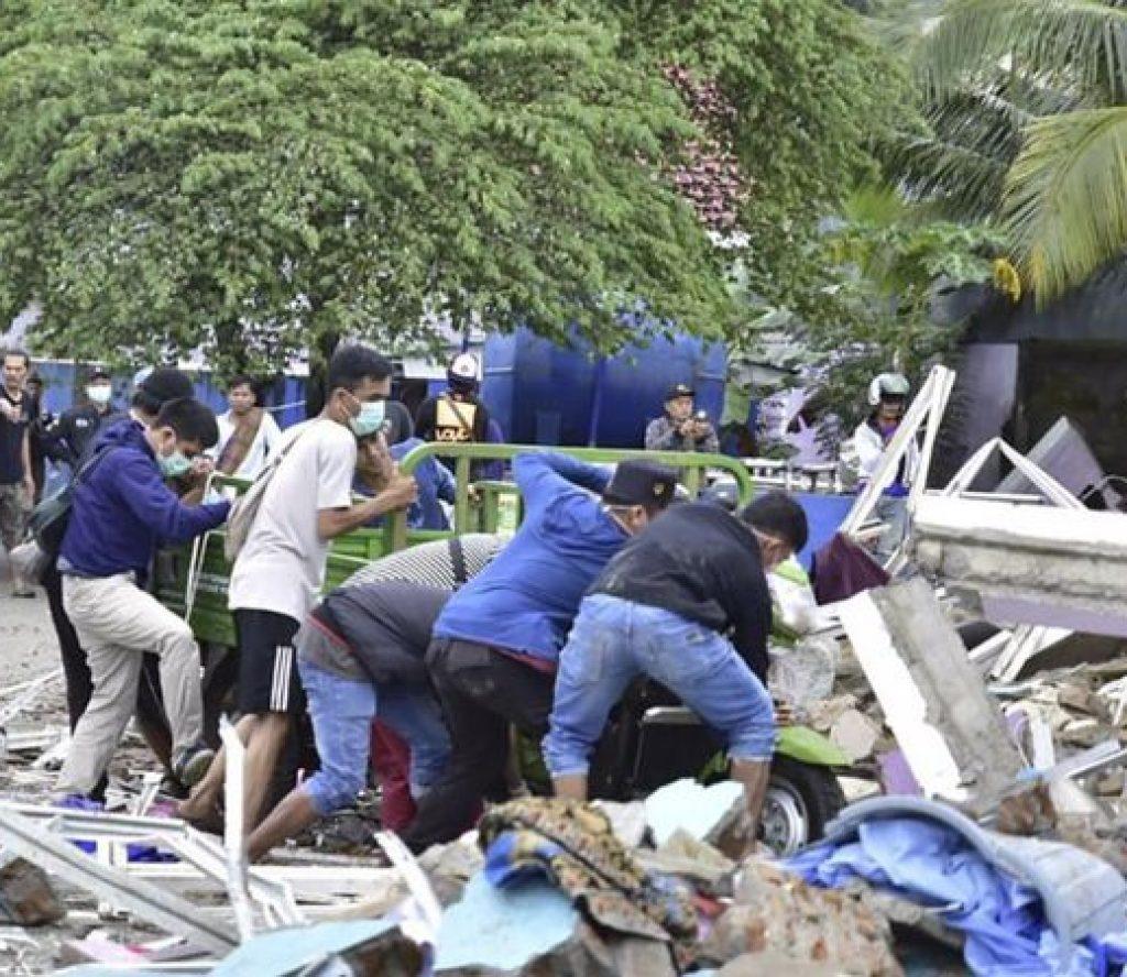 इन्डोनेसियामा ६.२ म्याग्नीच्युडको शक्तिशाली भूकम्प : ८०० भन्दा बढी घाइते, १५ हजार विस्थापित