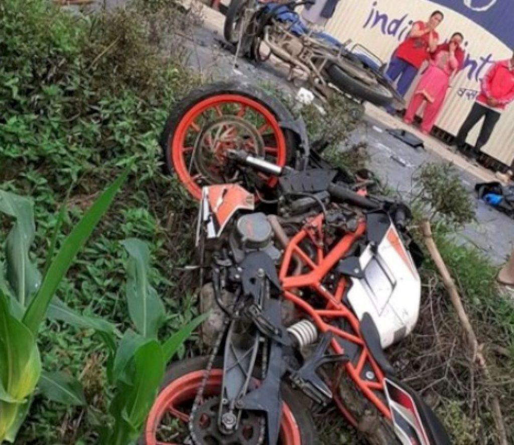 पदमपुरमा बसको ठक्करबाट मोटरसाइकलमा सवार २ जनाको मृत्यु