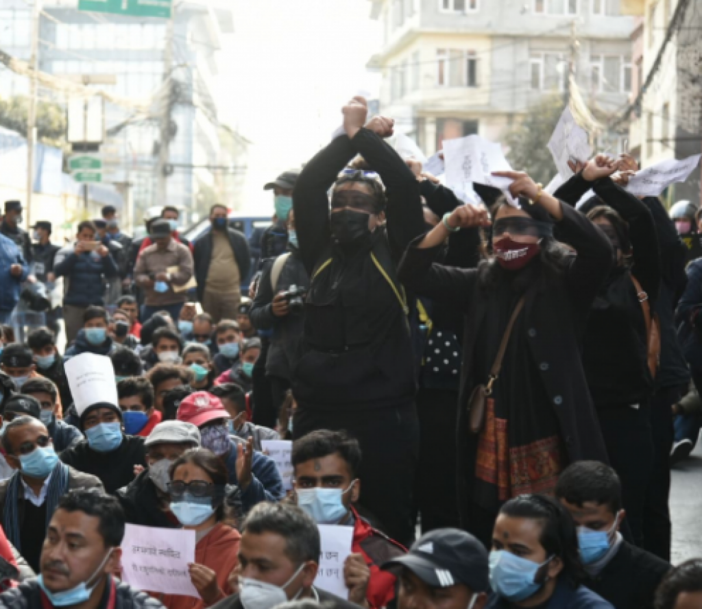 नागरिक आन्दोलनमा प्रहरीको हस्तक्षेप, पत्रकार वाग्लेसहित प्रदर्शनकारी घाइते