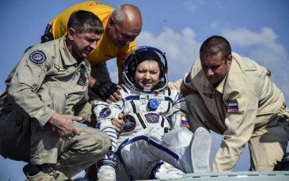 नासाका अन्तरिक्ष यात्रीहरु सकुशल पृथ्वीमा अवतरण, राष्ट्रपति ट्रम्पद्वारा बधाई