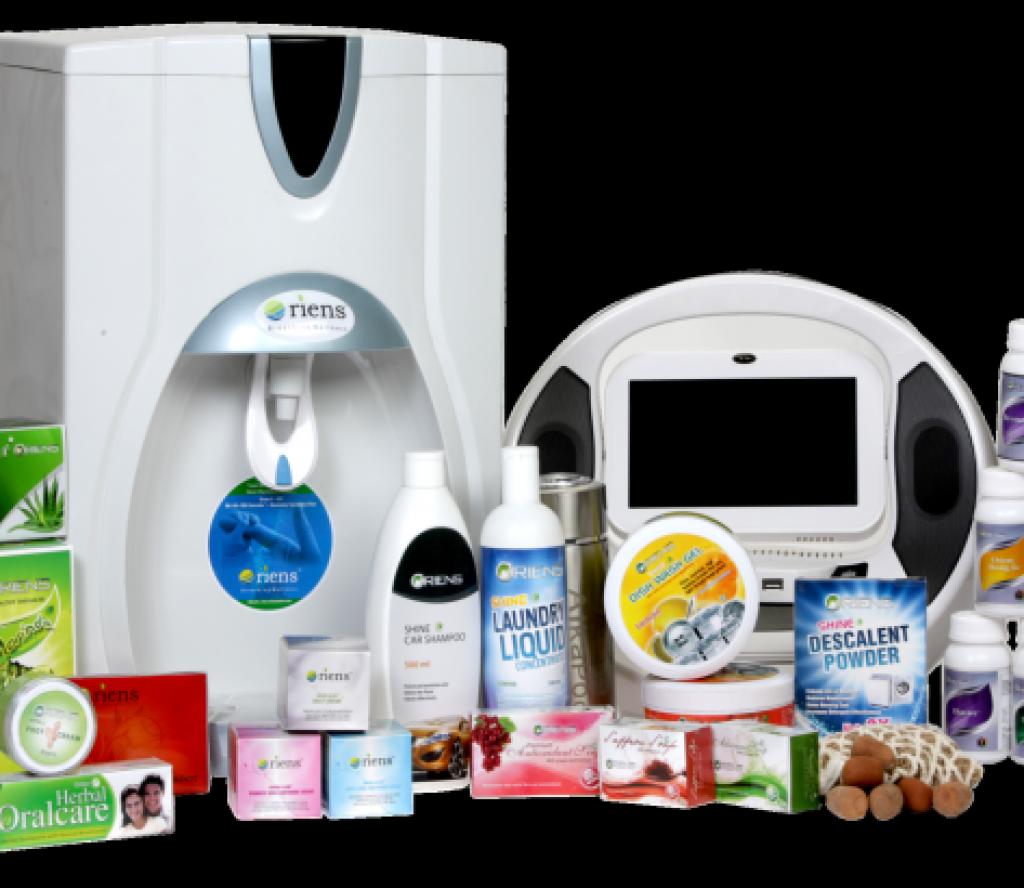 ओरियन्स कम्पनीका विभिन्न किसिमका खाद्यान्न परिपुरक सामान सहित पक्राउ