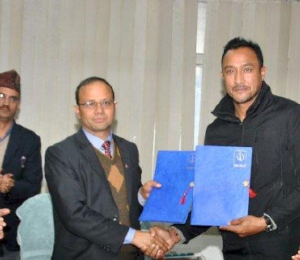 नेपाल टेलिकमको ब्रान्ड एम्बेसडरमा पूर्व कप्तान पारस खड्का चयन