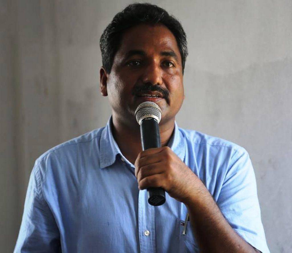 सहरी विकासमन्त्री प्रभु साहको निर्देशनमा किसानको गहुँबालीमा डोजर चल्यो