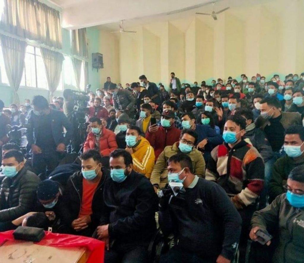 प्रचण्ड-नेपाल पक्षीय विद्यार्थीको छुट्टै भेला